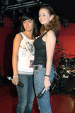 TATU IMAGENES Th_73694__tatu_perform_in_club_addict_in_tokyo_110__122_843lo